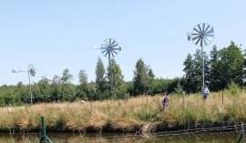 farma wiatrowa do napowietrzania stawu